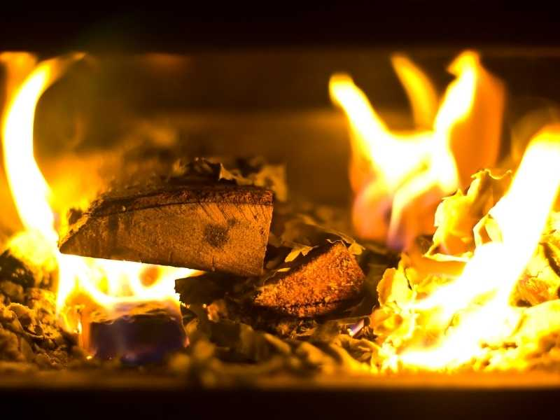 Wood Stove Pollution. Health Issues And Solutions - Air Purifiers!